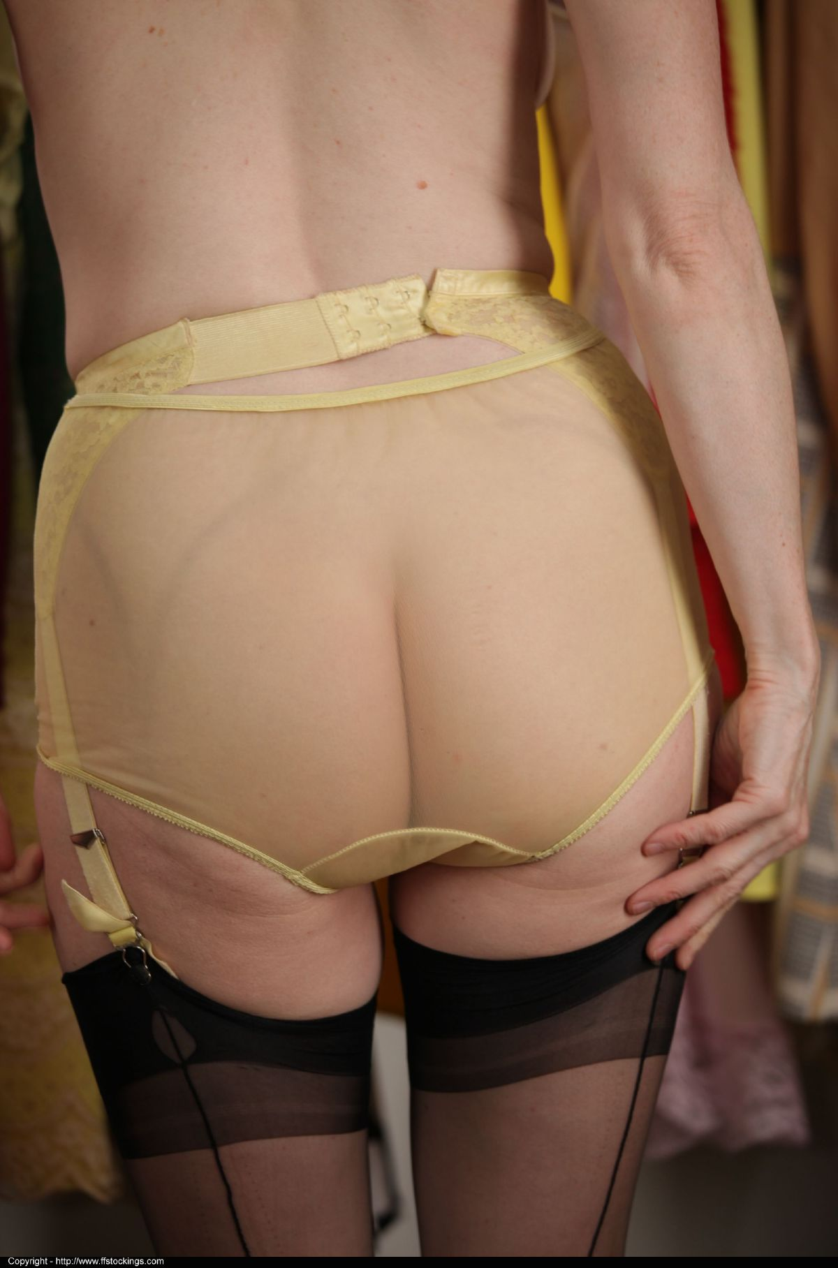 Upskirt Full Cut Panties And Nylons